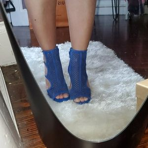 Brand New Steve Madden Blue Faux Suede 6.5 Heels